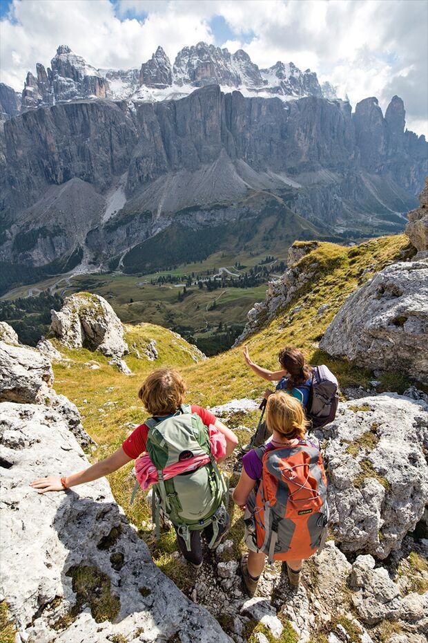 OD 1115 Woman Südtirol Dolomiten Sellamassiv