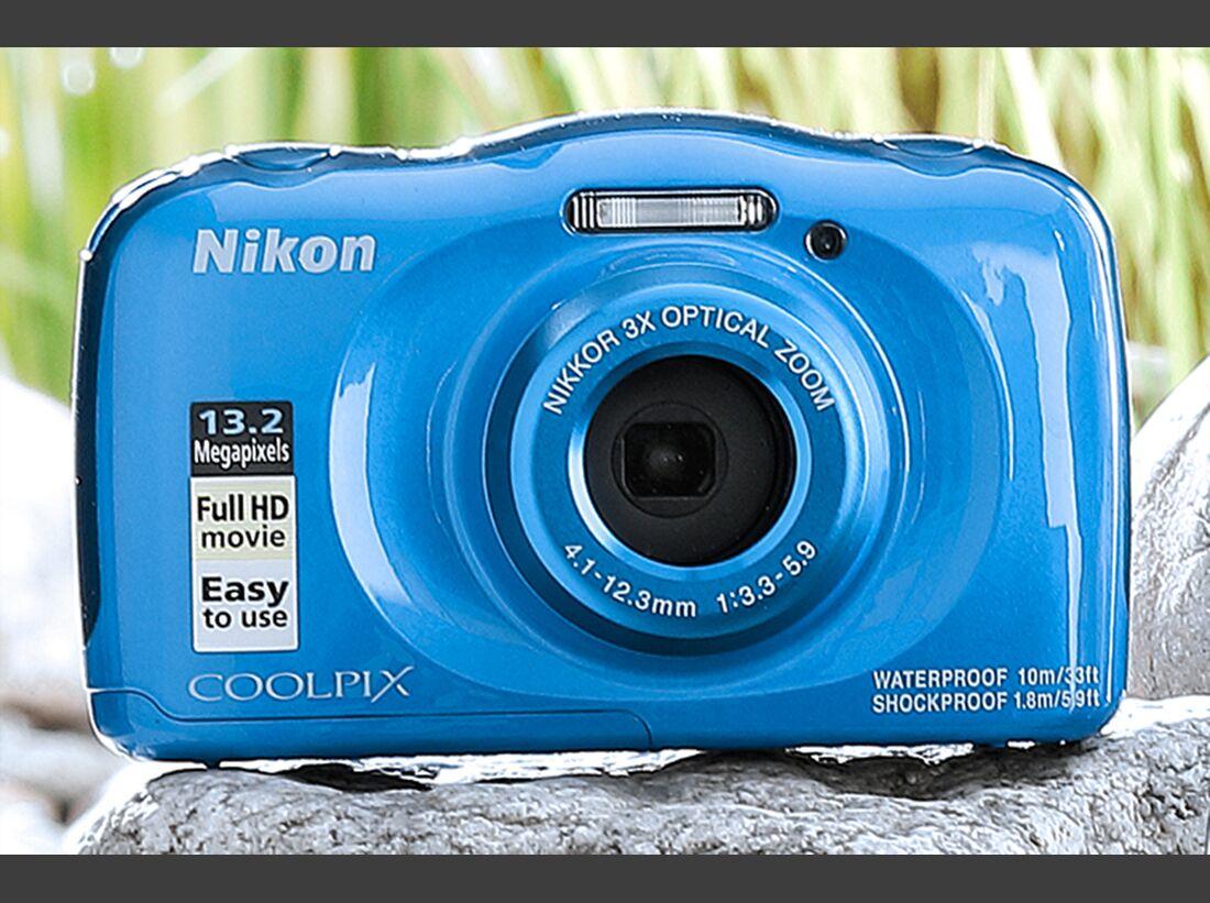 OD-2019-kameras_2019_ret Nikon W100  (jpg)