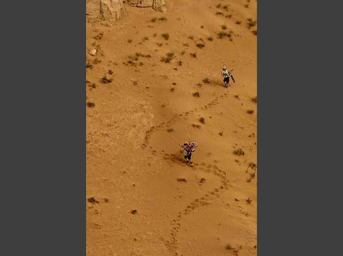 OD-EOFT-12-13-Where The Trail Ends_James Doerfling and Kurt Sorge_Lifestyle-JohnWellburn (jpg)