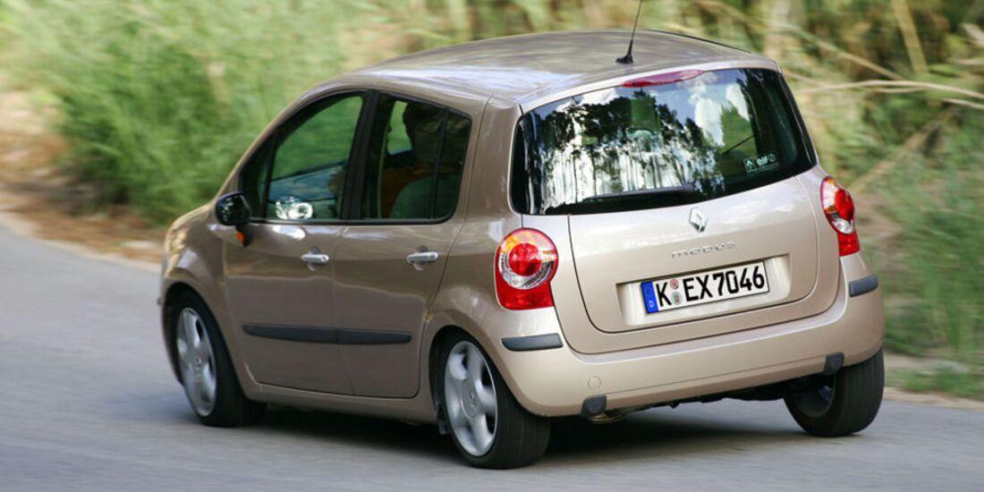 Renault-Modus-fotoshowImage-dd9bc256-521290 (jpg)